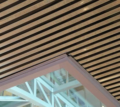 Конструкция кубообразного реечного мультипанельного Реечный потолок кубообразного дизайна цена
